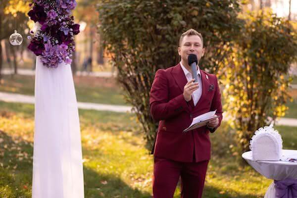 vedushchii-na-svadbu-kiev-zharkov