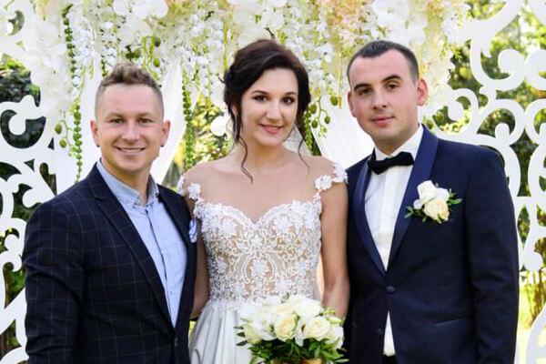 http://e-zharkov.com.ua/blog/svadba/kak-zakazat-vedushchego-na-svadbu-besplatno